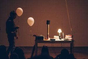 COM foto GELUID Showcase Emerging Sound ©Joeri Thiry, STUK - Huis voor Dans, Beeld & Geluid-42